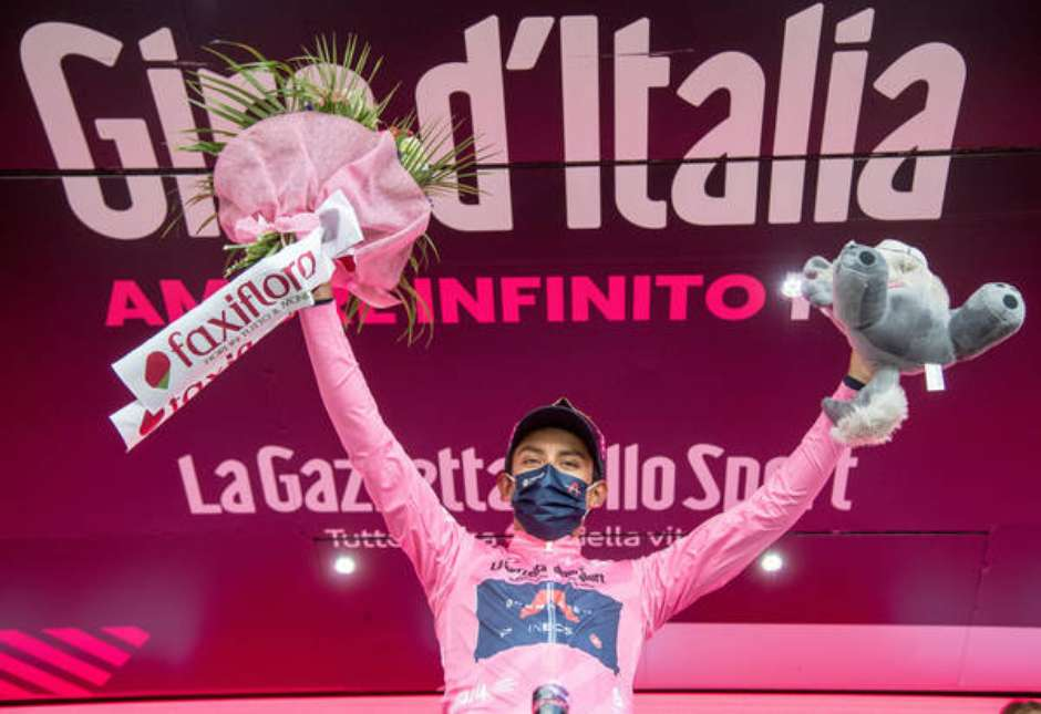 Colombiano Egan Bernal conquista Giro d'Italia em 2021